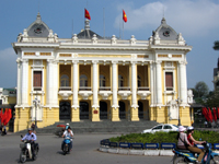Die Oper in Hanoi © Gaston Roth